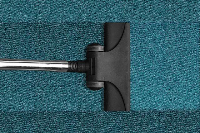 Odkurzanie wykładzin i dywanów